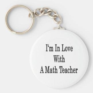 Estoy en amor con un profesor de matemáticas llavero redondo tipo pin