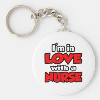 Estoy en amor con una enfermera llavero redondo tipo pin