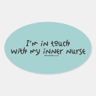 Estoy en contacto con mi enfermera interna calcomanía de óval personalizadas
