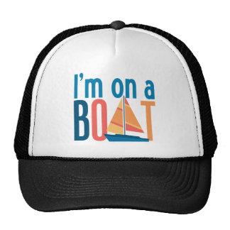 Estoy en un barco gorras