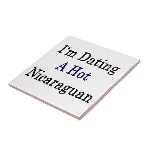Estoy fechando a un Nicaraguan caliente Azulejo Cuadrado Pequeño