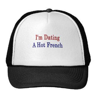 Estoy fechando un francés caliente gorro