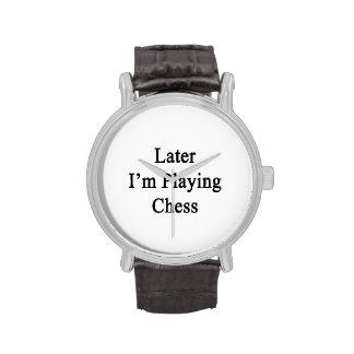Estoy jugando más adelante a ajedrez reloj de mano
