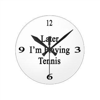 Estoy jugando más adelante a tenis relojes