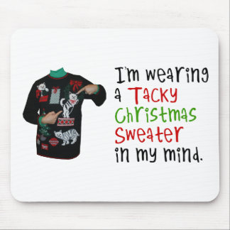 Estoy llevando un suéter pegajoso del navidad en m alfombrilla de ratones
