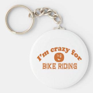 Estoy loco para el montar a caballo de la bici llavero redondo tipo chapa