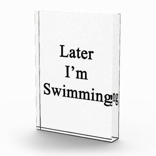 Estoy nadando más adelante