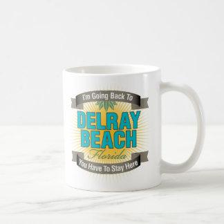 Estoy volviendo a (Delray Beach) Taza Clásica