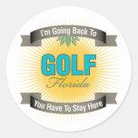 Estoy volviendo a (el golf) pegatina redonda