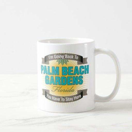 Estoy volviendo a (Palm Beach Gardens) Taza Básica Blanca