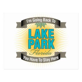 Estoy volviendo (el parque del lago) postal