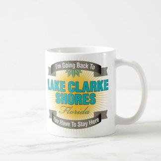 Estoy volviendo (las orillas de Clarke del lago) Taza Básica Blanca