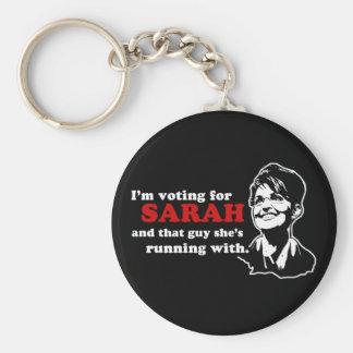 Estoy votando por Sarah y ese individuo Llavero Redondo Tipo Pin