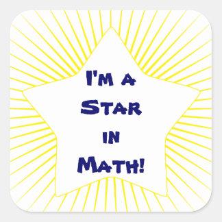 Estrella amarilla brillante del estudiante de la m calcomanias cuadradas