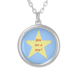 Estrella amarilla, usted es un collar de la