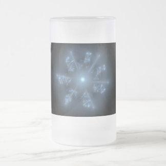 Estrella azul del fractal taza de cristal