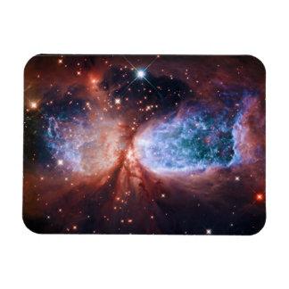 Estrella bipolar que forma la nebulosa de imán foto rectangular