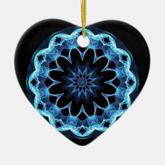 Estrella cristalina, mandala azul que brilla adorno navideño de cerámica en forma de corazón