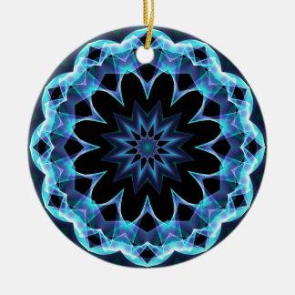 Estrella cristalina, mandala azul que brilla adorno navideño redondo de cerámica