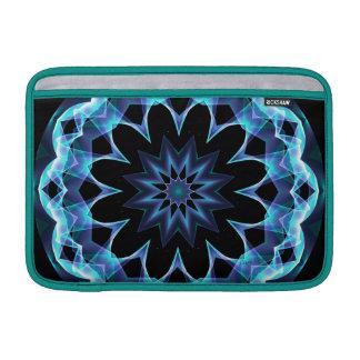 Estrella cristalina, mandala azul que brilla funda  MacBook