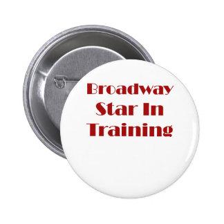 Estrella de Broadway en el entrenamiento Pins