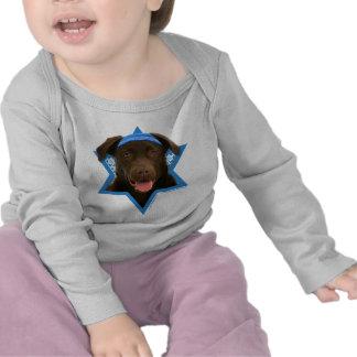 Estrella de Jánuca de David - chocolate Labrador Camiseta