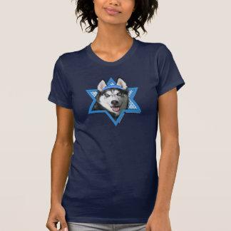 Estrella de Jánuca de David - husky siberiano Camisetas