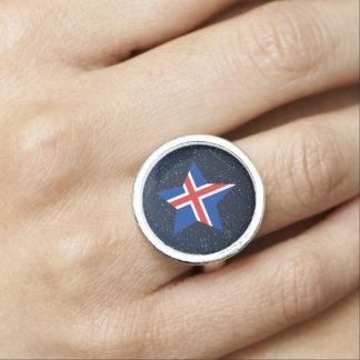 Estrella de la bandera de Islandia en espacio Anillos