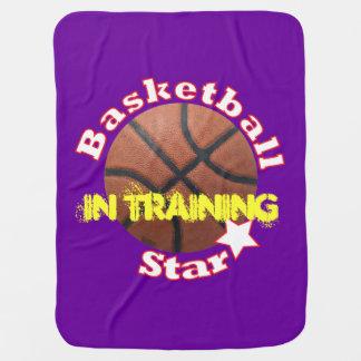 Estrella de la bola del baloncesto en el mantitas para bebé