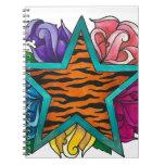 Estrella de la impresión del tigre con los rosas libro de apuntes