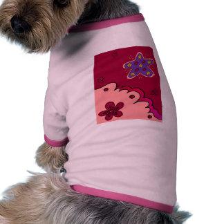 Estrella de levantamiento camiseta de perro