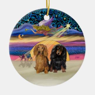 Estrella de Navidad - dos Dachshunds de pelo largo Adorno Redondo De Cerámica