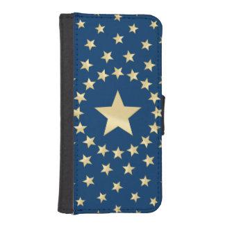 Estrella de oro grande circundada por estrellas funda tipo billetera para iPhone 5