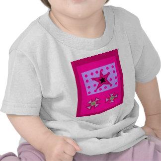 Estrella del laurel en rosa camisetas