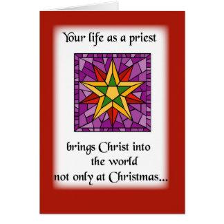 Estrella del navidad del sacerdote tarjeton