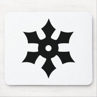 Estrella del ninja que lanza alfombrillas de ratones