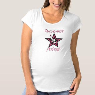 Estrella del poder de la mujer en rosa camisas