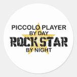 Estrella del rock de flautín por noche pegatina redonda