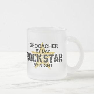 Estrella del rock de Geocacher por noche Taza De Cristal