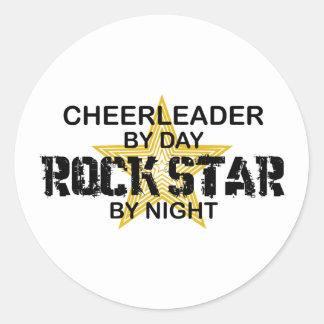 Estrella del rock de la animadora por noche pegatina redonda