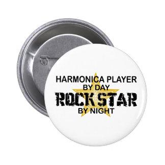 Estrella del rock de la armónica por noche pin redondo de 2 pulgadas