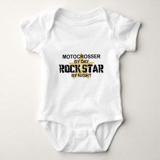 Estrella del rock de Motocrosser por noche Playera