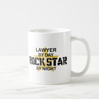 Estrella del rock del abogado por noche tazas