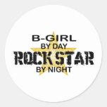Estrella del rock del B-Chica por noche Etiquetas Redondas