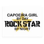 Estrella del rock del chica de Capoeira por noche Postal