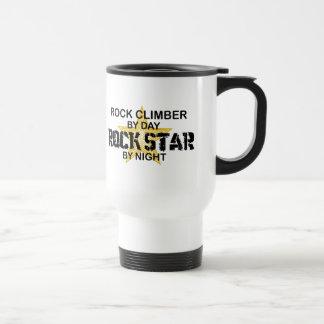 Estrella del rock del escalador de rock por noche taza de viaje