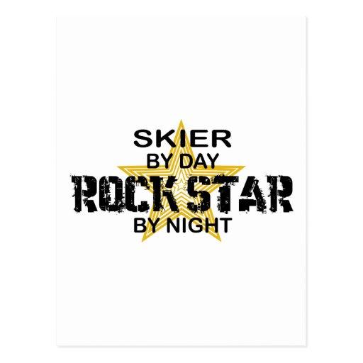 Estrella del rock del esquiador por noche postales