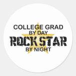 Estrella del rock del graduado de la universidad pegatina redonda