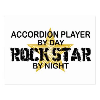 Estrella del rock del jugador del acordeón por postal