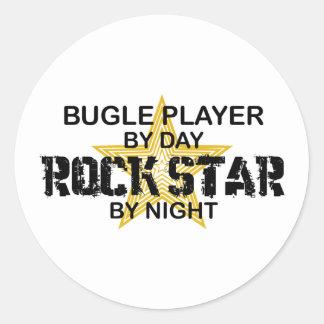 Estrella del rock del jugador del bugle por noche pegatina redonda